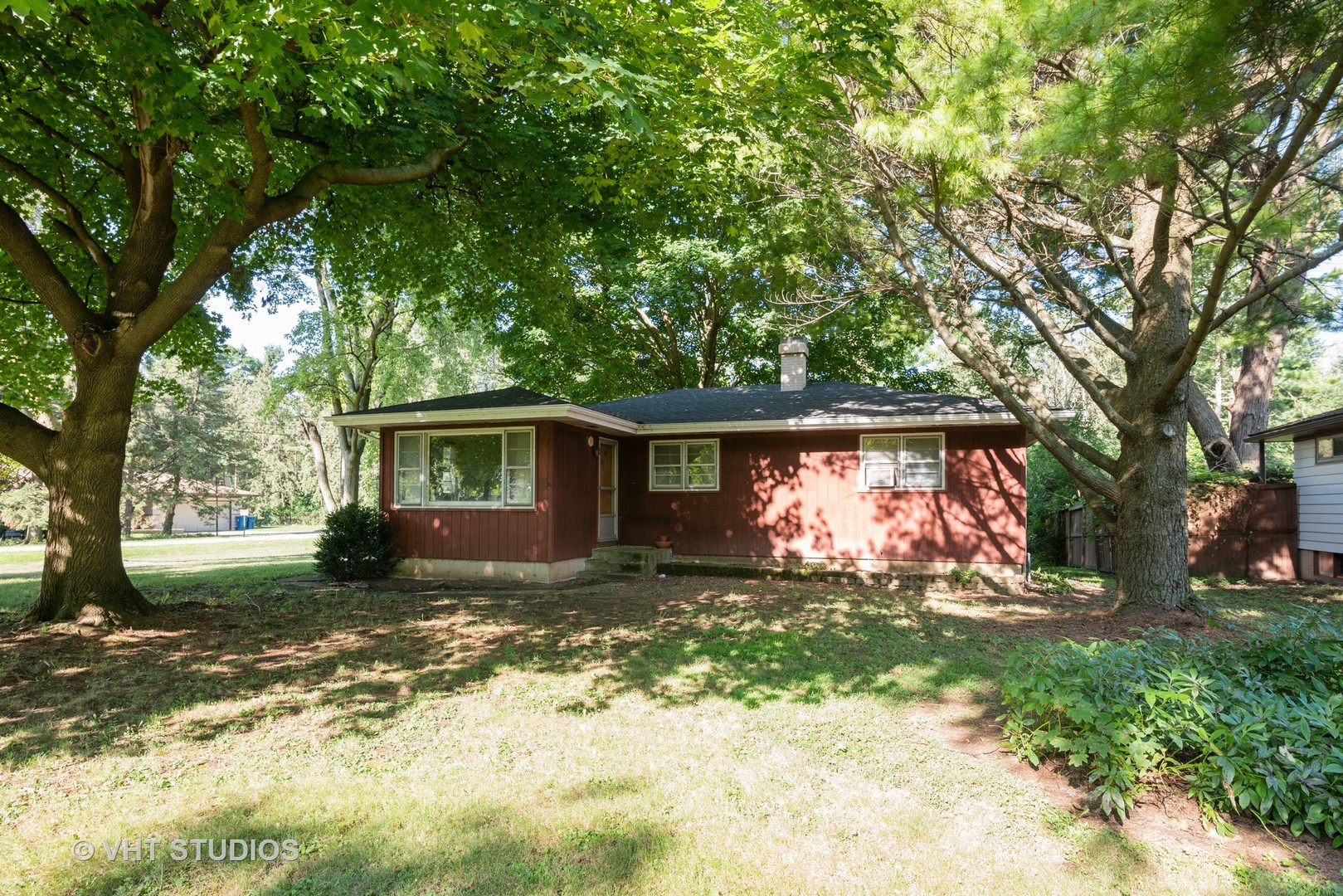 Photo for 32W922 Hecker Drive, Dundee, IL 60118 (MLS # 10492658)