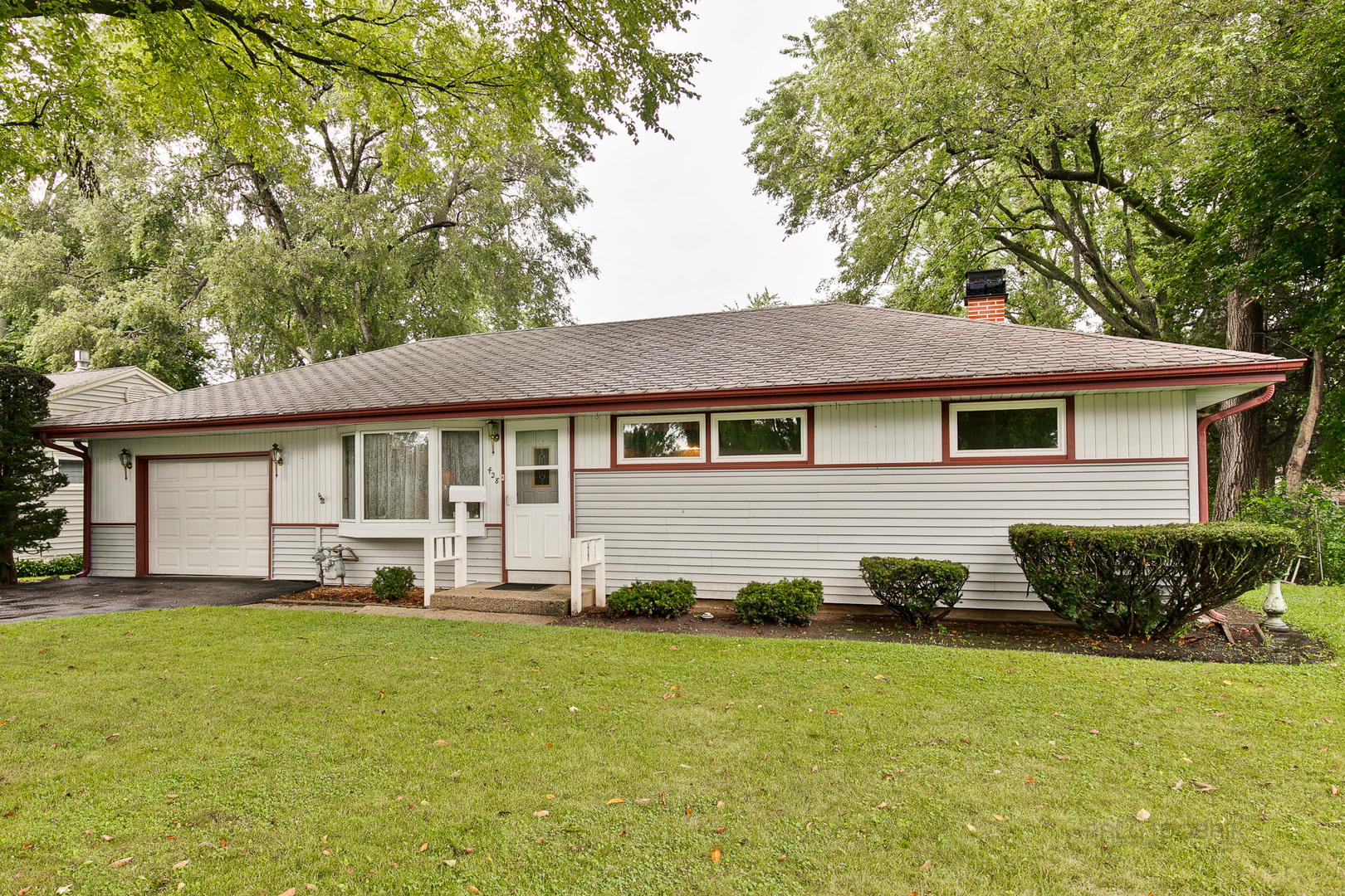 Photo for 428 W James Way, Cary, IL 60013 (MLS # 10493297)