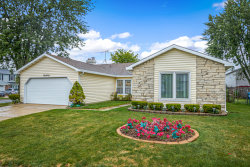 Photo of 160 Green Meadows Drive, GLENDALE HEIGHTS, IL 60139 (MLS # 10493482)