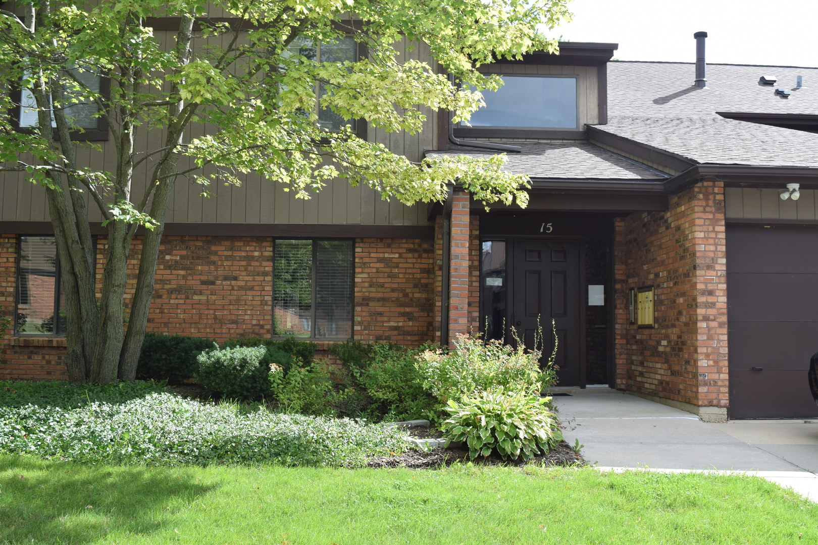 Photo for 15 Creekside Circle, Unit Number A, Elgin, IL 60123 (MLS # 10507516)