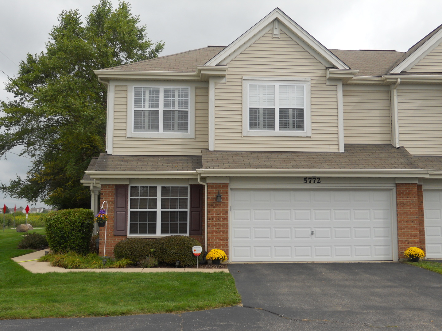 Photo for 5772 Wildspring Drive, Lake in the Hills, IL 60156 (MLS # 10510152)
