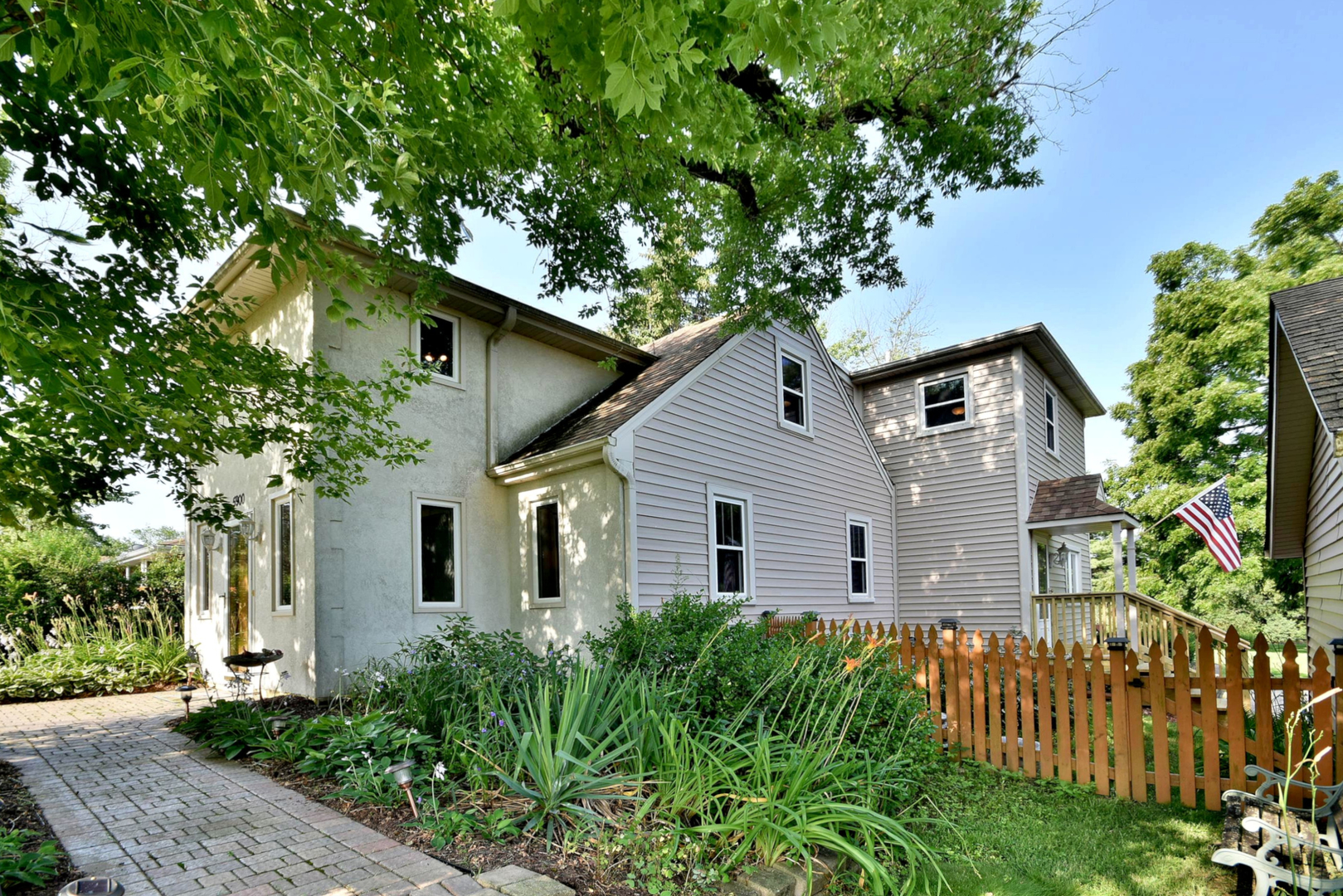 Photo for 5900 Pershing Avenue, DOWNERS GROVE, IL 60516 (MLS # 10510932)