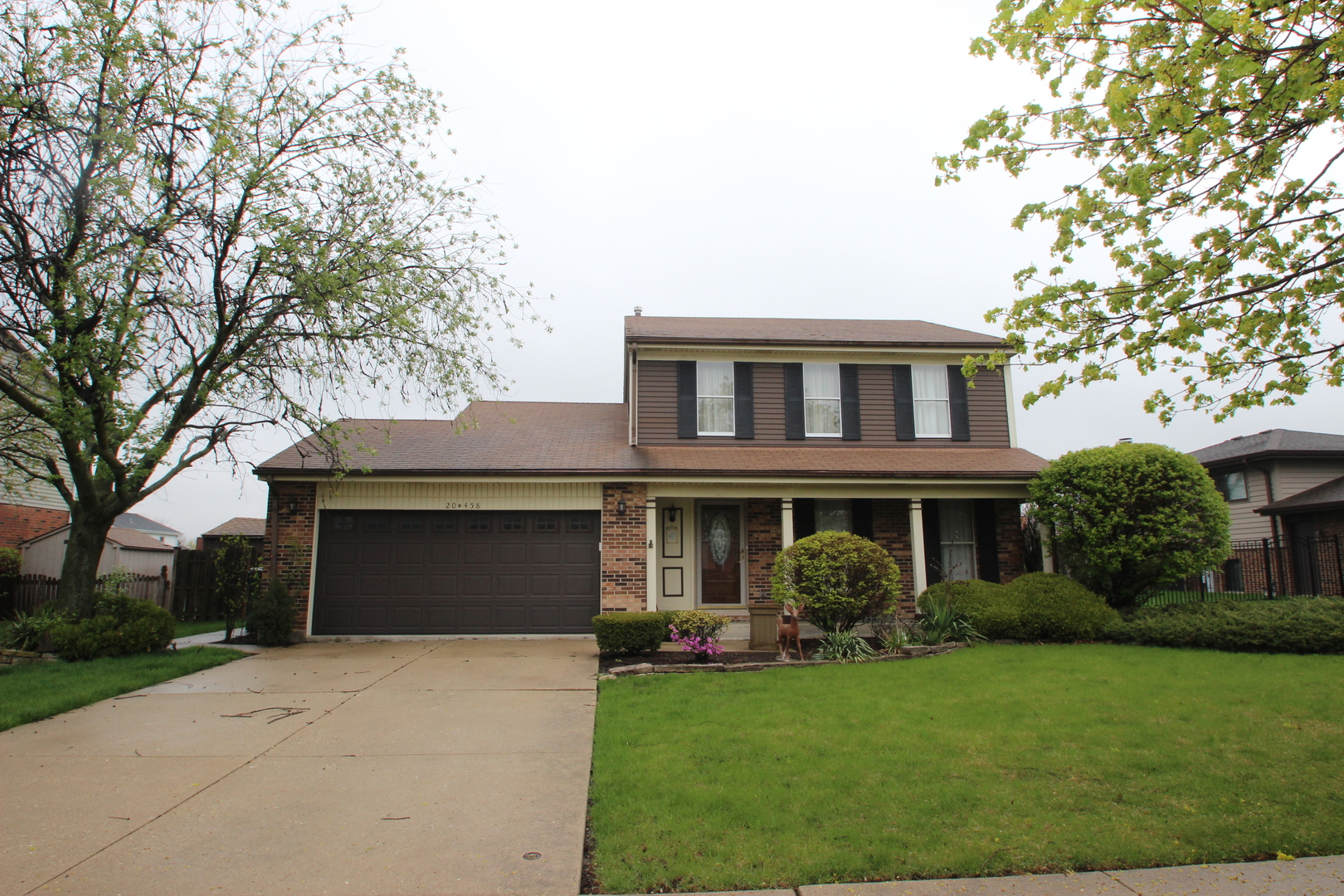 Photo for 20W458 Camder Drive, DOWNERS GROVE, IL 60516 (MLS # 10512387)