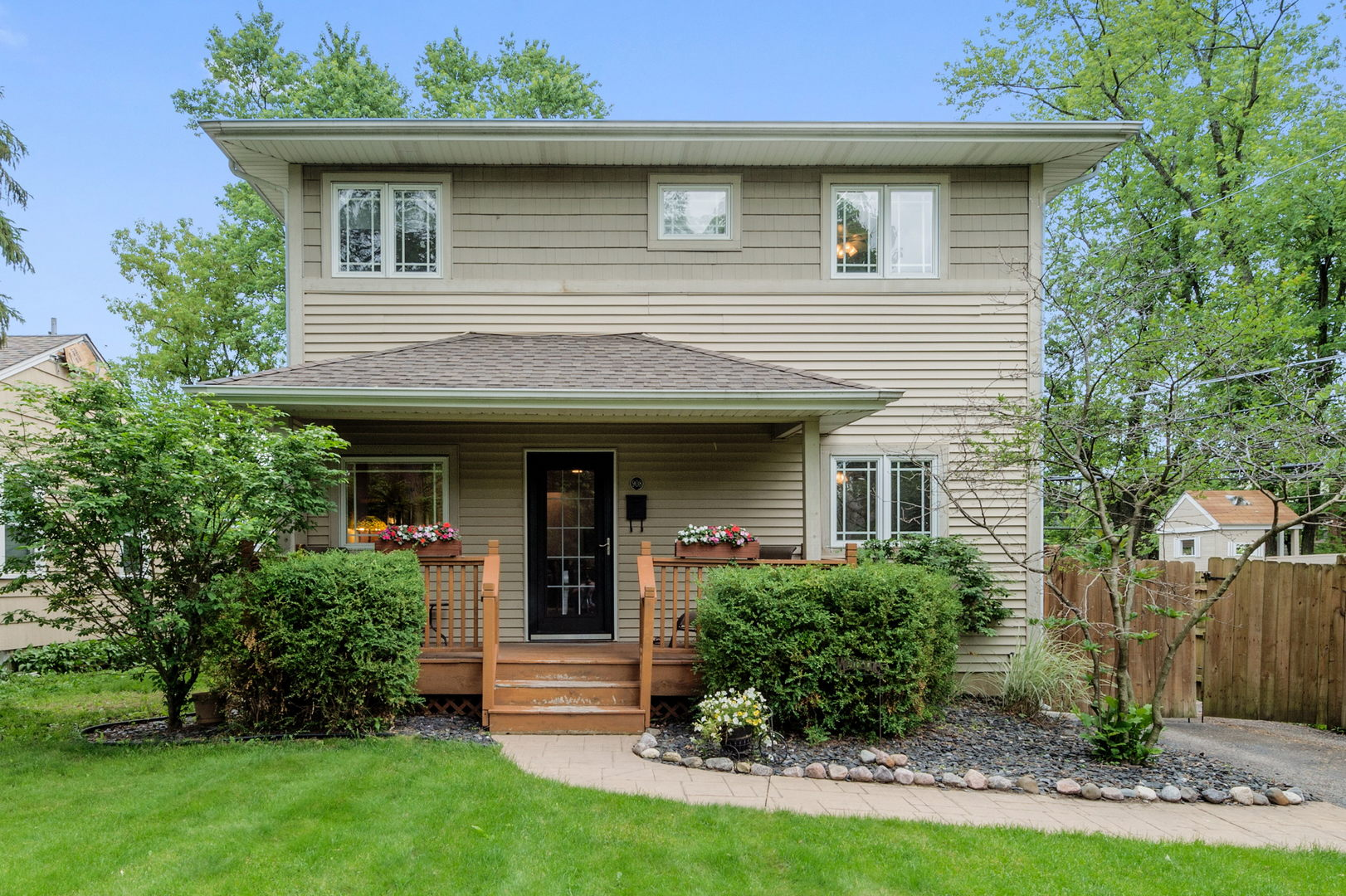 Photo for 908 Highland Court, DOWNERS GROVE, IL 60515 (MLS # 10513829)