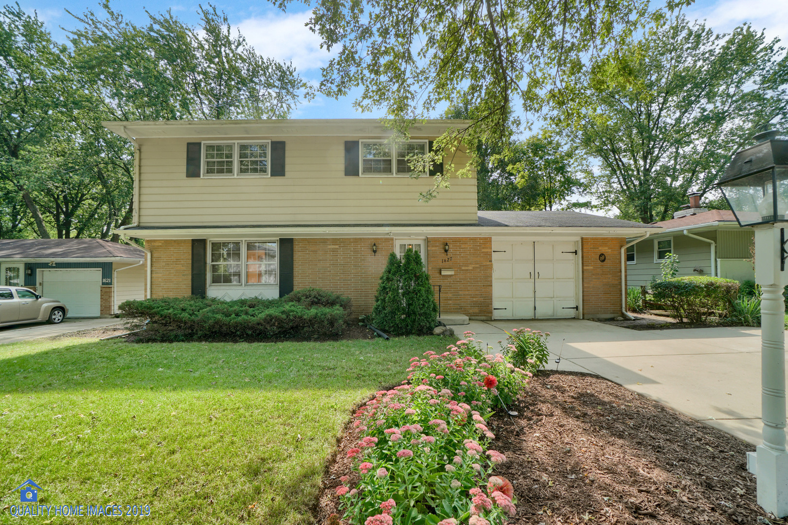 Photo for 1627 Evergreen Street, St. Charles, IL 60174 (MLS # 10517276)