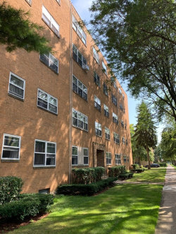 Photo of 6109 N Damen Avenue, Unit Number 1B, CHICAGO, IL 60659 (MLS # 10518710)