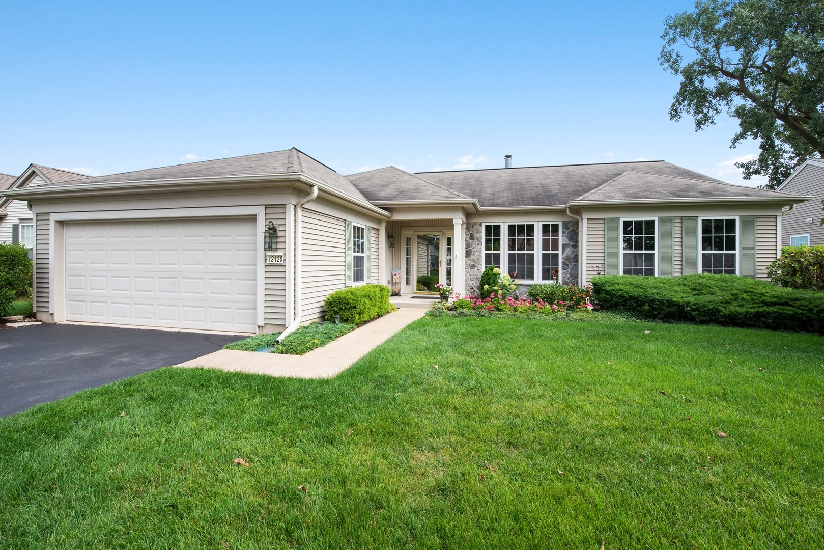 Photo for 12120 Summer Ridge Lane, Huntley, IL 60142 (MLS # 10519348)