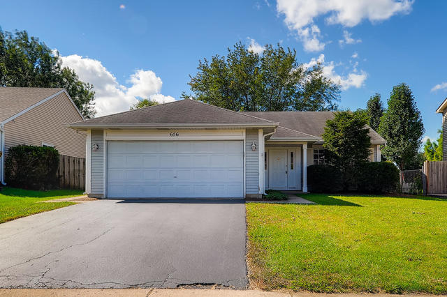 Photo for 656 Thorndale Drive, Elgin, IL 60120 (MLS # 10531076)
