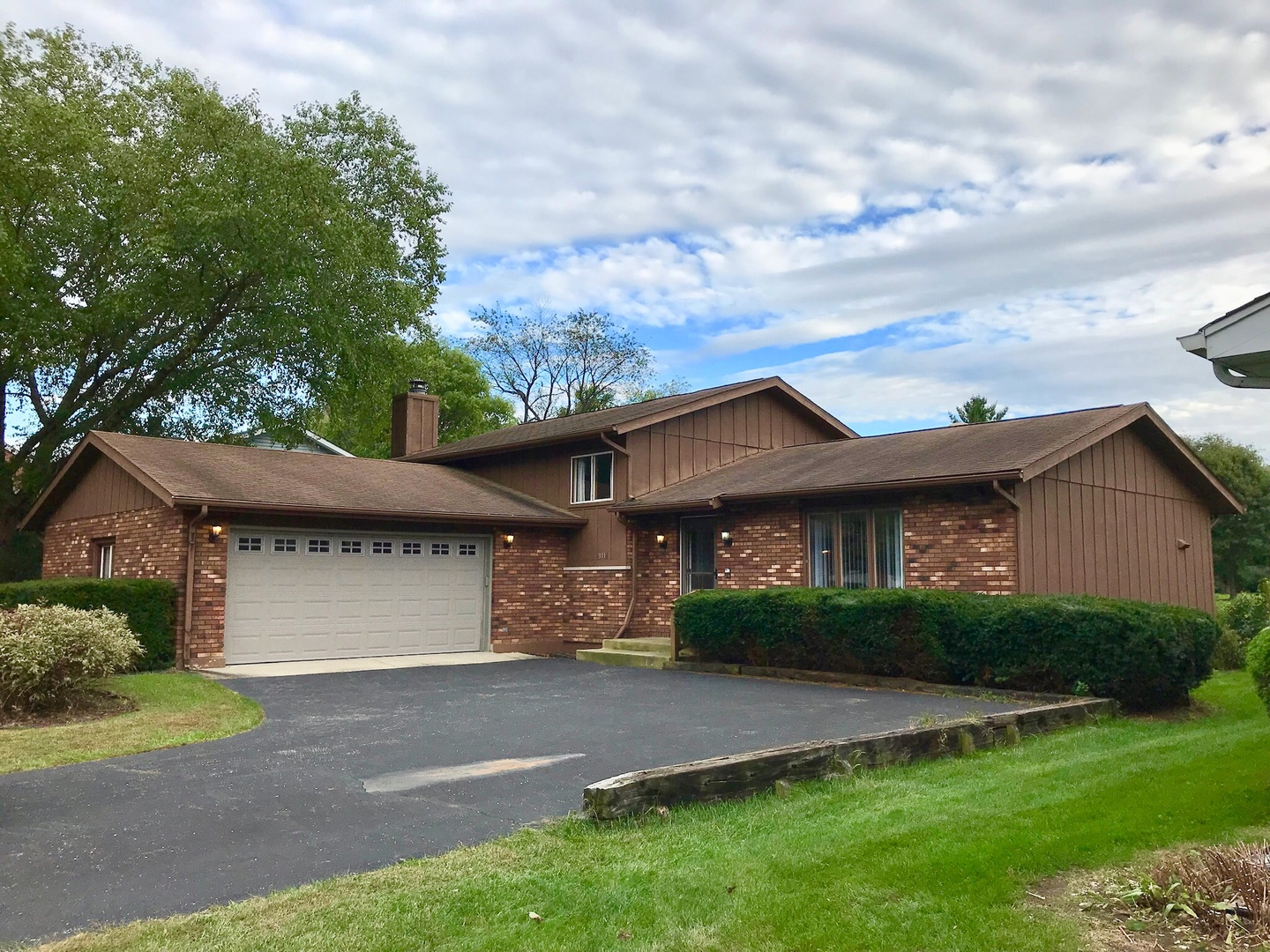 Photo for 311 Pearl Street, Cary, IL 60013 (MLS # 10531911)