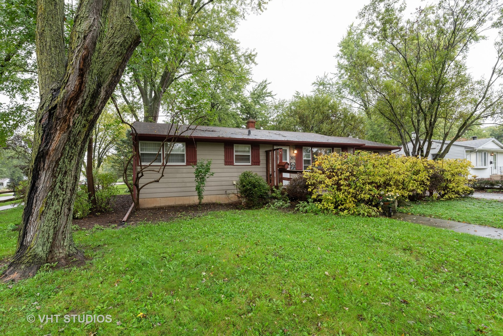 Photo for 392 W Margaret Terrace, Cary, IL 60013 (MLS # 10537128)