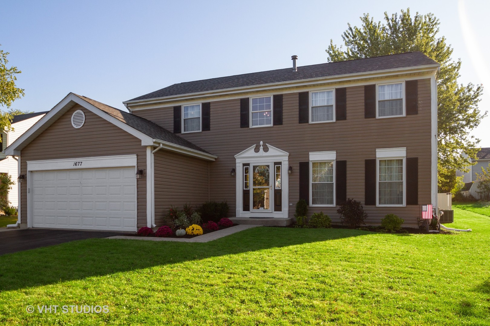 Photo for 1677 Deerhaven Drive, Crystal Lake, IL 60014 (MLS # 10539975)