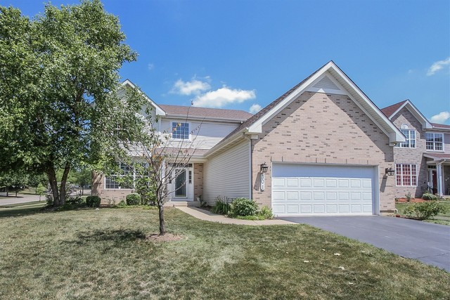 Photo for 301 Lake Plumleigh Way, Algonquin, IL 60102 (MLS # 10541875)
