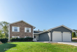 Photo of 1135 Nottingham Lane, Hoffman Estates, IL 60169 (MLS # 10543530)