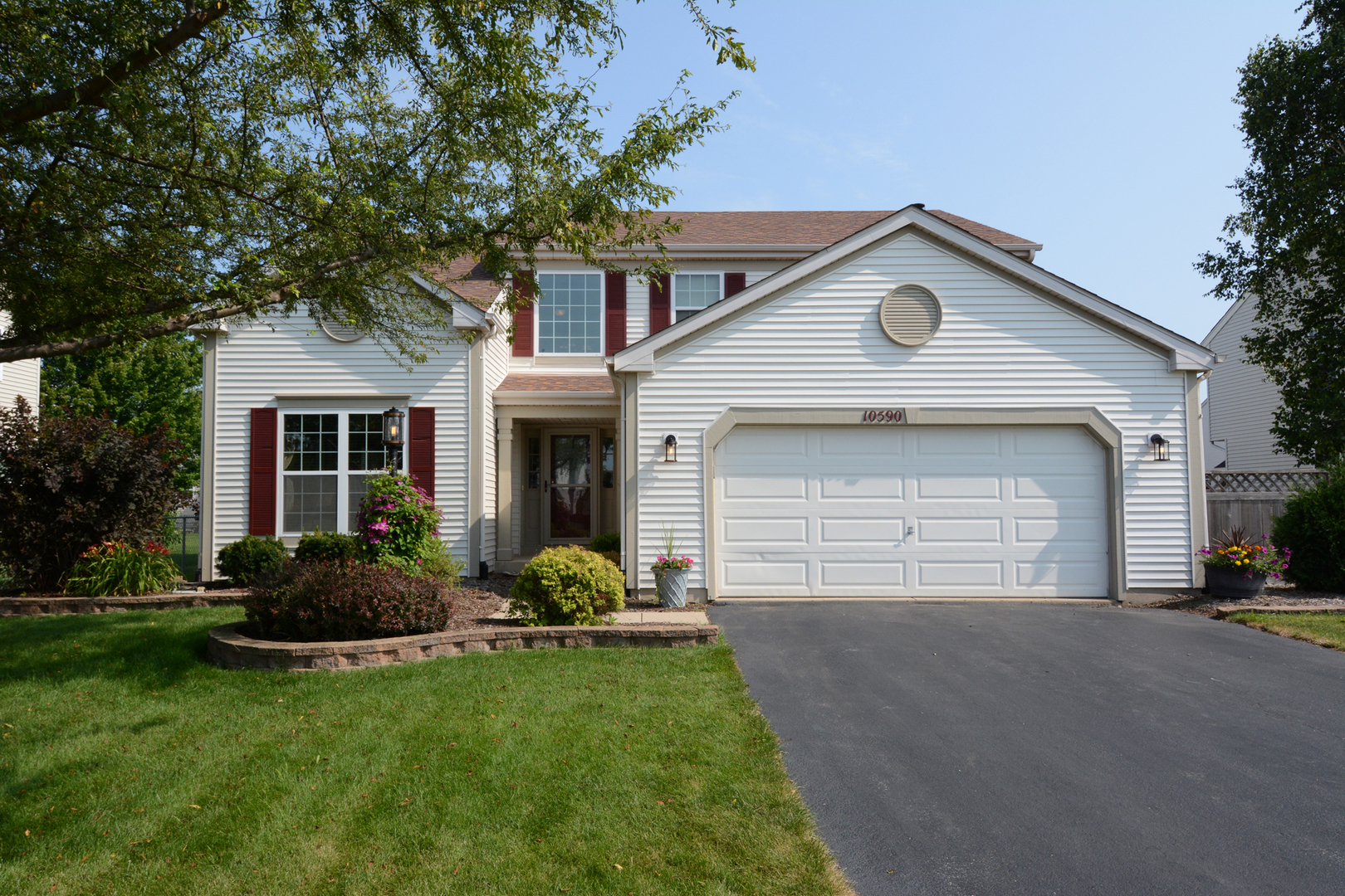 Photo for 10590 Wing Pointe Drive, Huntley, IL 60142 (MLS # 10547891)