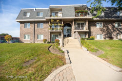 Photo of 867 Tree Lane, Unit Number 207, Prospect Heights, IL 60070 (MLS # 10554132)