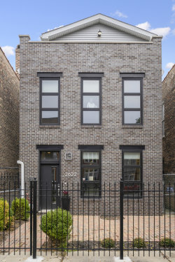 Photo of 2622 W Superior Street, Chicago, IL 60612 (MLS # 10556101)
