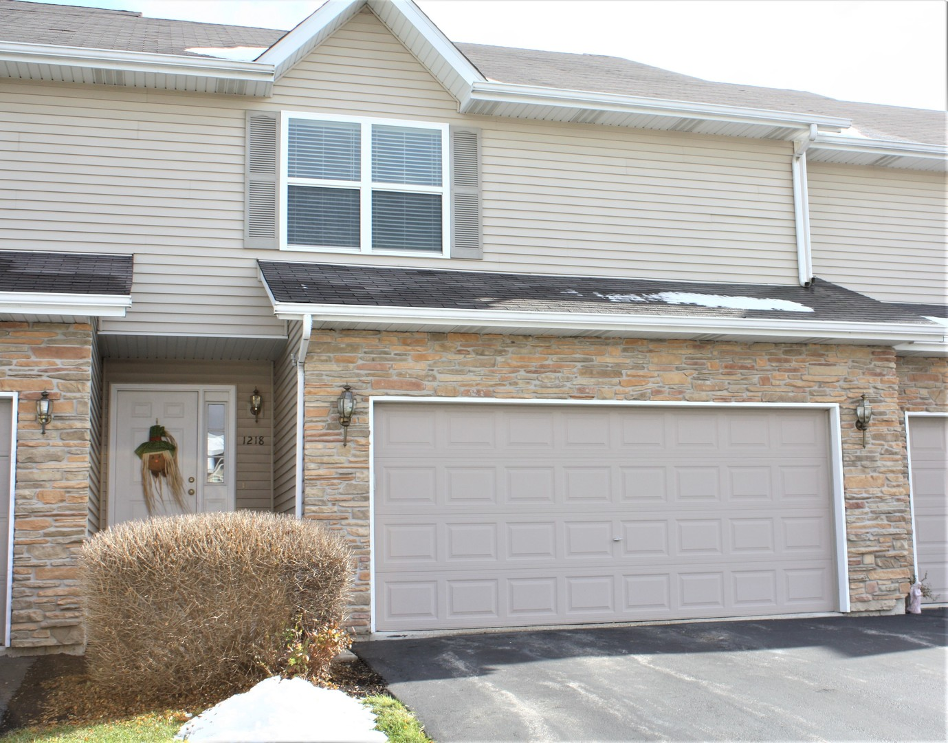 Photo for 1218 Rose Drive, Sycamore, IL 60178 (MLS # 10564777)