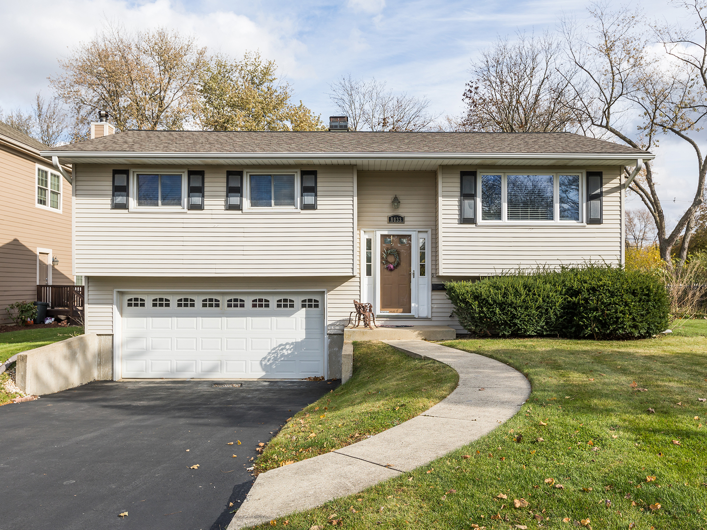 Photo for 6033 Blodgett Avenue, Downers Grove, IL 60516 (MLS # 10566825)