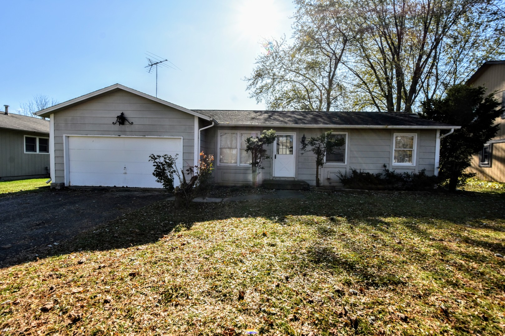 Photo for 629 Arthur Drive, Cary, IL 60013 (MLS # 10566977)