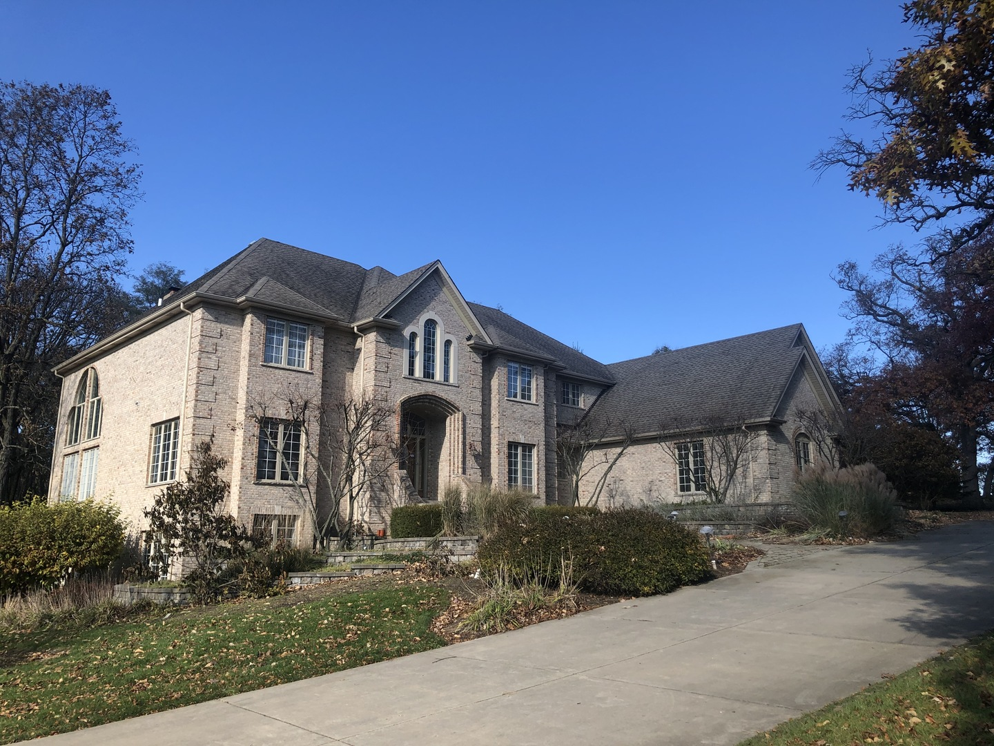 Photo for 6N426 Crescent Lane, St. Charles, IL 60175 (MLS # 10567475)