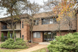Photo of 70 Old Oak Drive, Unit Number 123, Buffalo Grove, IL 60089 (MLS # 10568308)