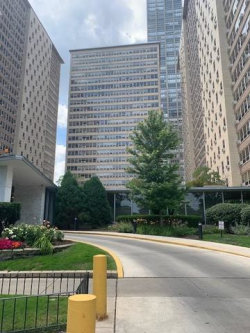 Photo of 3950 N Lake Shore Drive, Unit Number 1307, Chicago, IL 60613 (MLS # 10575328)