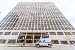 Photo of 4343 N Clarendon Avenue, Unit Number 2612, Chicago, IL 60613 (MLS # 10575535)