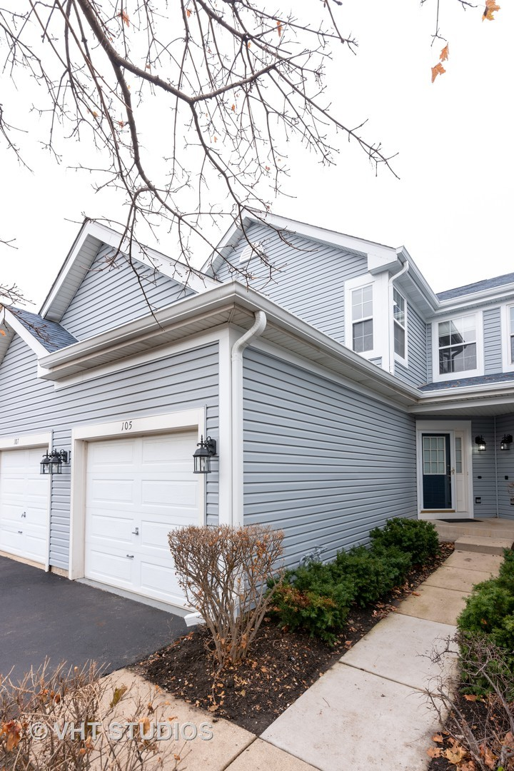 Photo for 105 Northlight Passe, Lake In The Hills, IL 60156 (MLS # 10576145)
