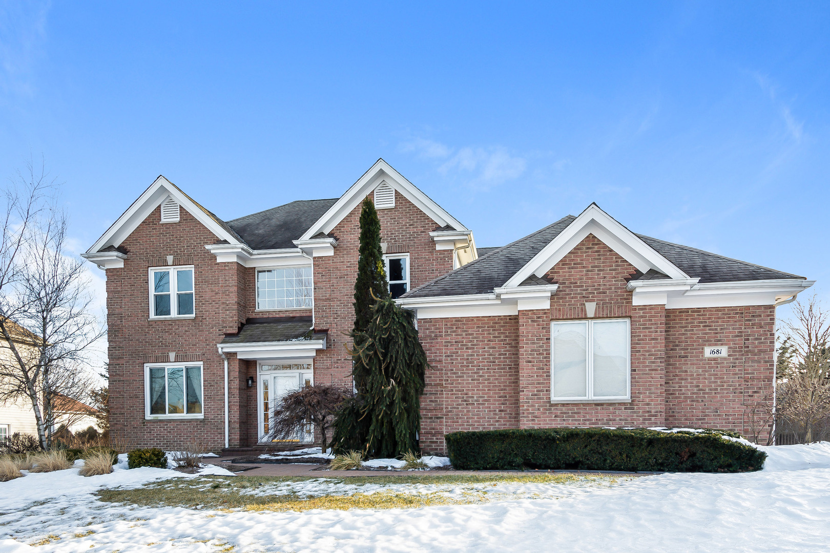 Photo for 1681 Stone Ridge Lane, Algonquin, IL 60102 (MLS # 10577003)