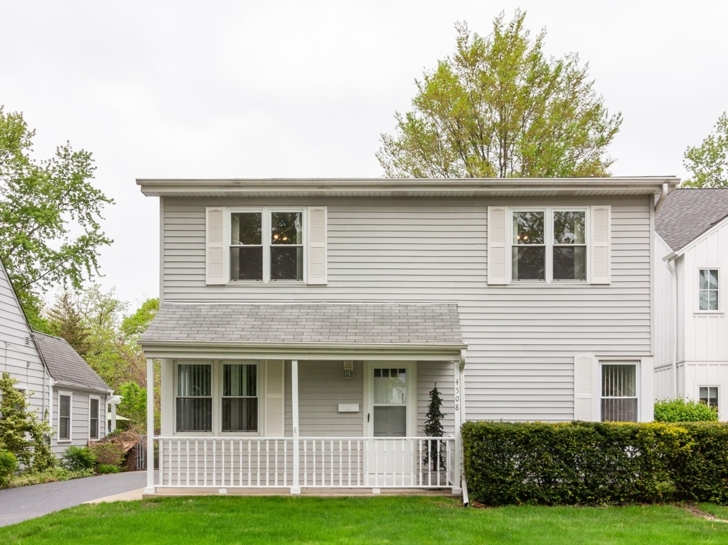 Photo for 4508 Stanley Avenue, Downers Grove, IL 60515 (MLS # 10577120)