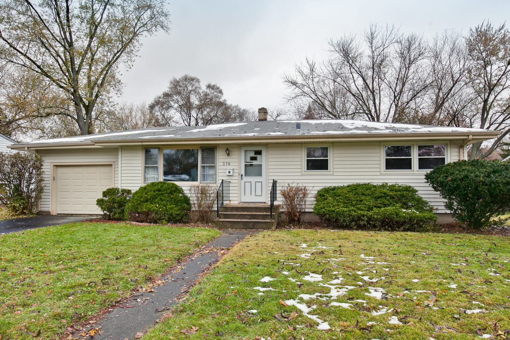 Photo for 378 W Margaret Terrace, Cary, IL 60013 (MLS # 10578107)