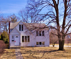 Photo of 1 Arthur Avenue, Clarendon Hills, IL 60514 (MLS # 10580861)