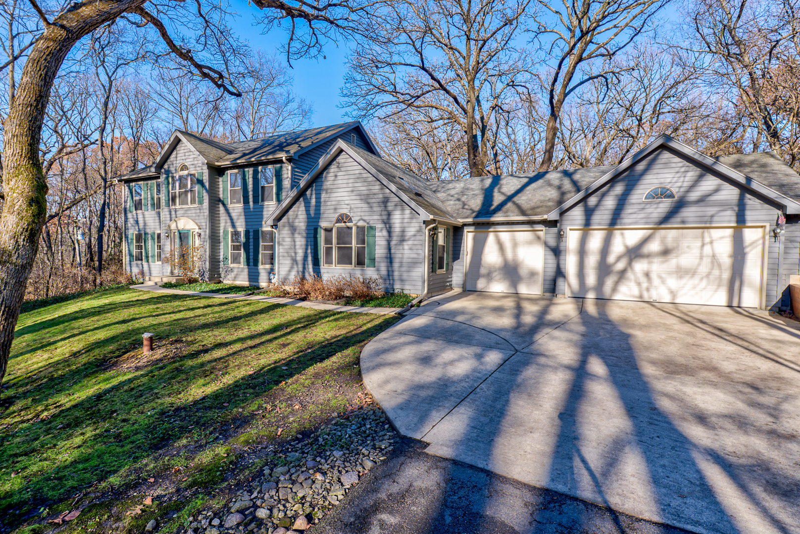 Photo for 6N433 Old Homestead Road, St. Charles, IL 60175 (MLS # 10582245)