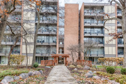 Photo of 6010 Oakwood Drive, Unit Number 5F, Lisle, IL 60532 (MLS # 10583031)