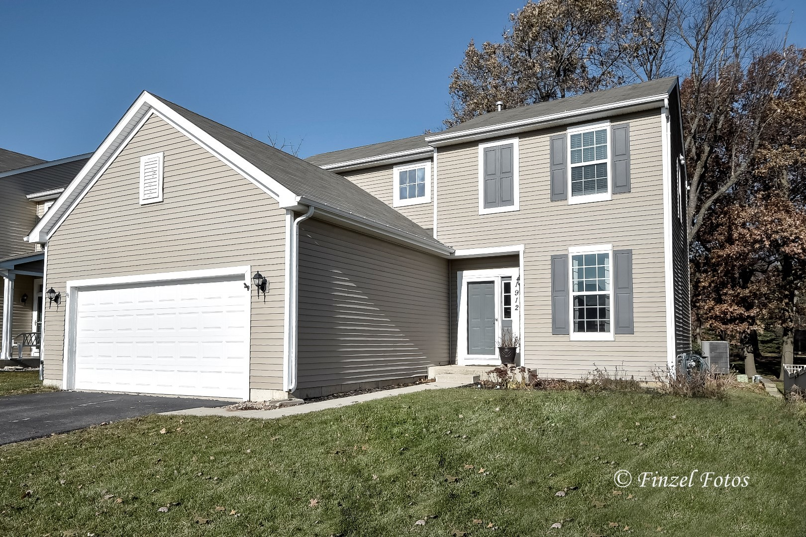 Photo for 1912 Roger Road, Woodstock, IL 60098 (MLS # 10586012)