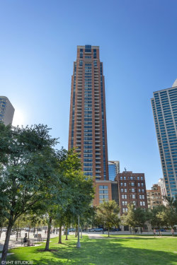 Photo of 1160 S Michigan Avenue, Unit Number 3303, Chicago, IL 60605 (MLS # 10586102)