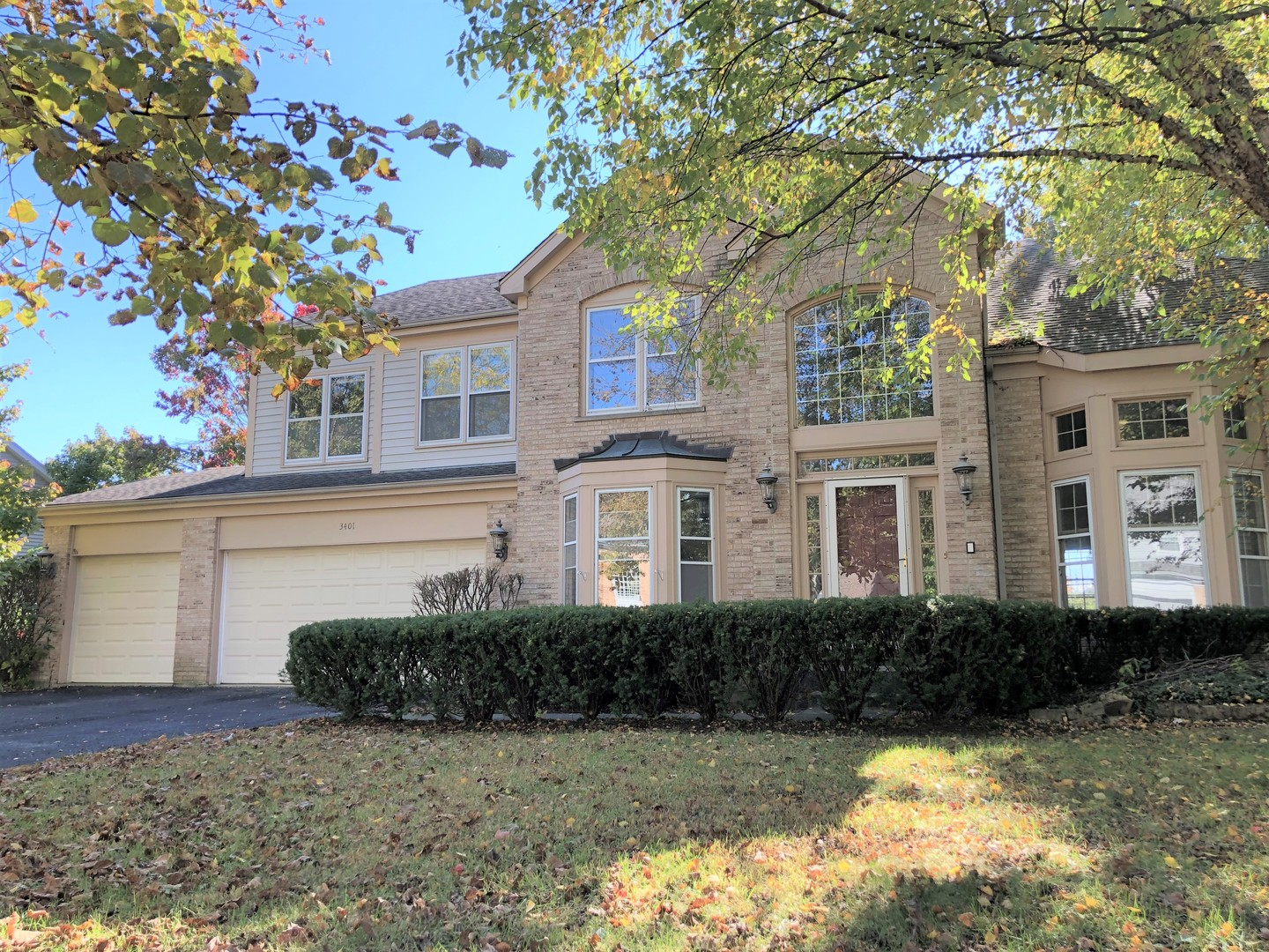 Photo for 3401 Charlemagne Lane, St. Charles, IL 60174 (MLS # 10588348)