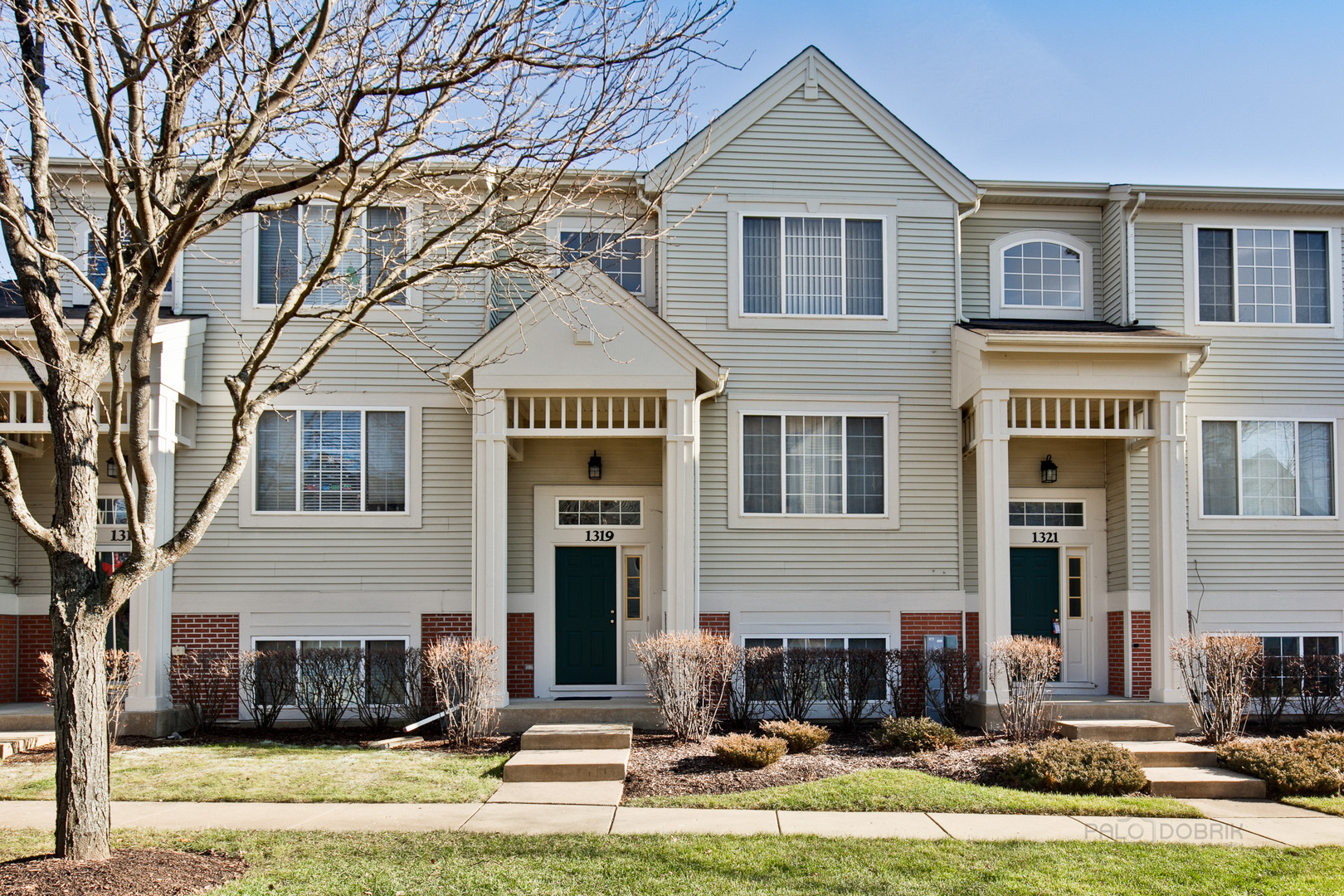 Photo for 1319 New Haven Drive, Cary, IL 60013 (MLS # 10599166)