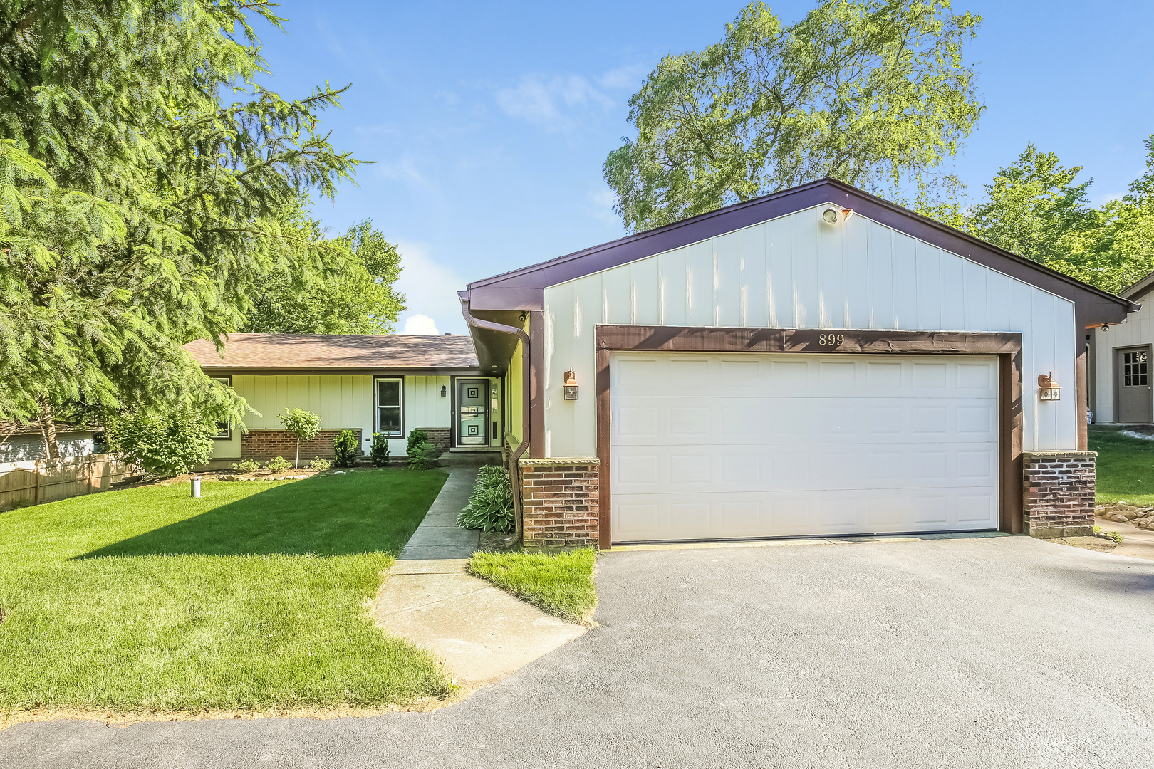 Photo for 899 E Main Street Road, Cary, IL 60013 (MLS # 10600684)