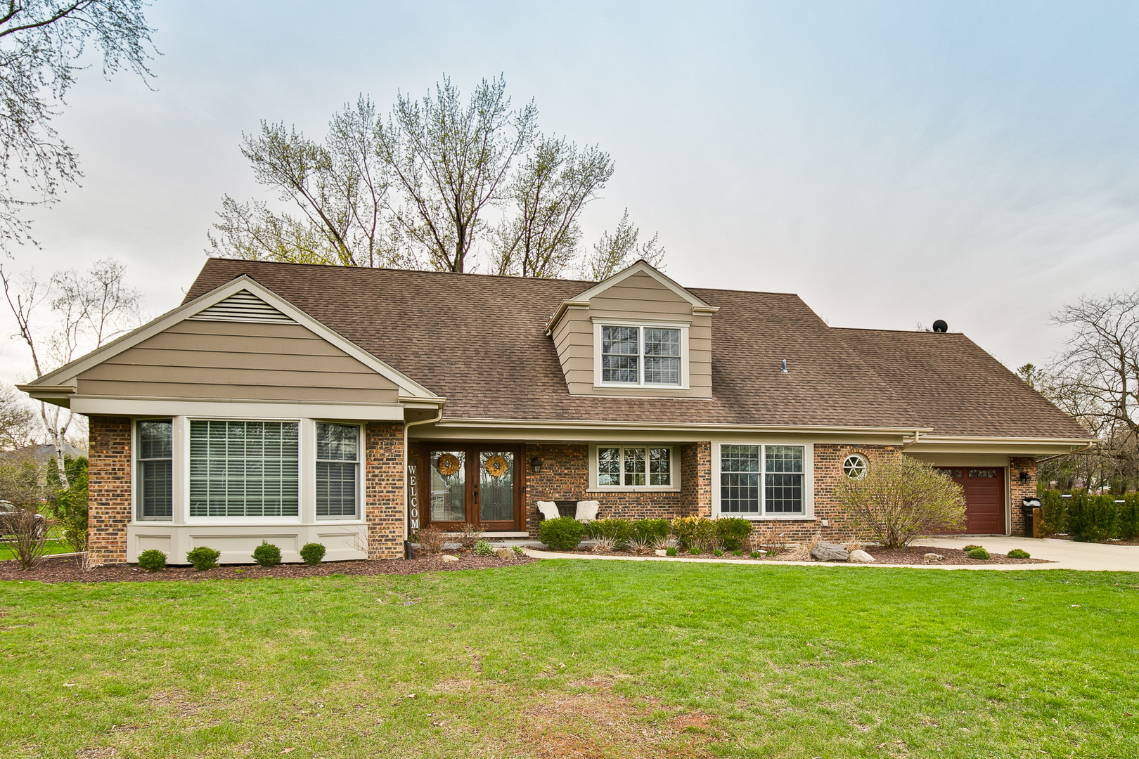 Photo for 360 N Valley Road, Barrington, IL 60010 (MLS # 10601063)