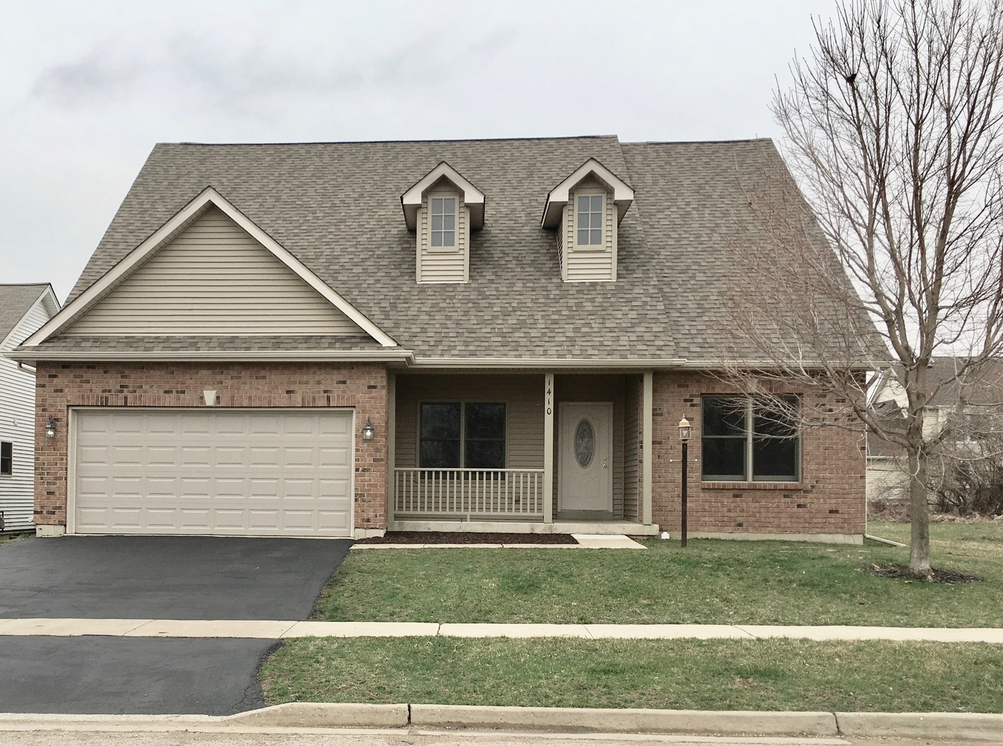 Photo for 1410 Sandpiper Lane, Woodstock, IL 60098 (MLS # 10602802)