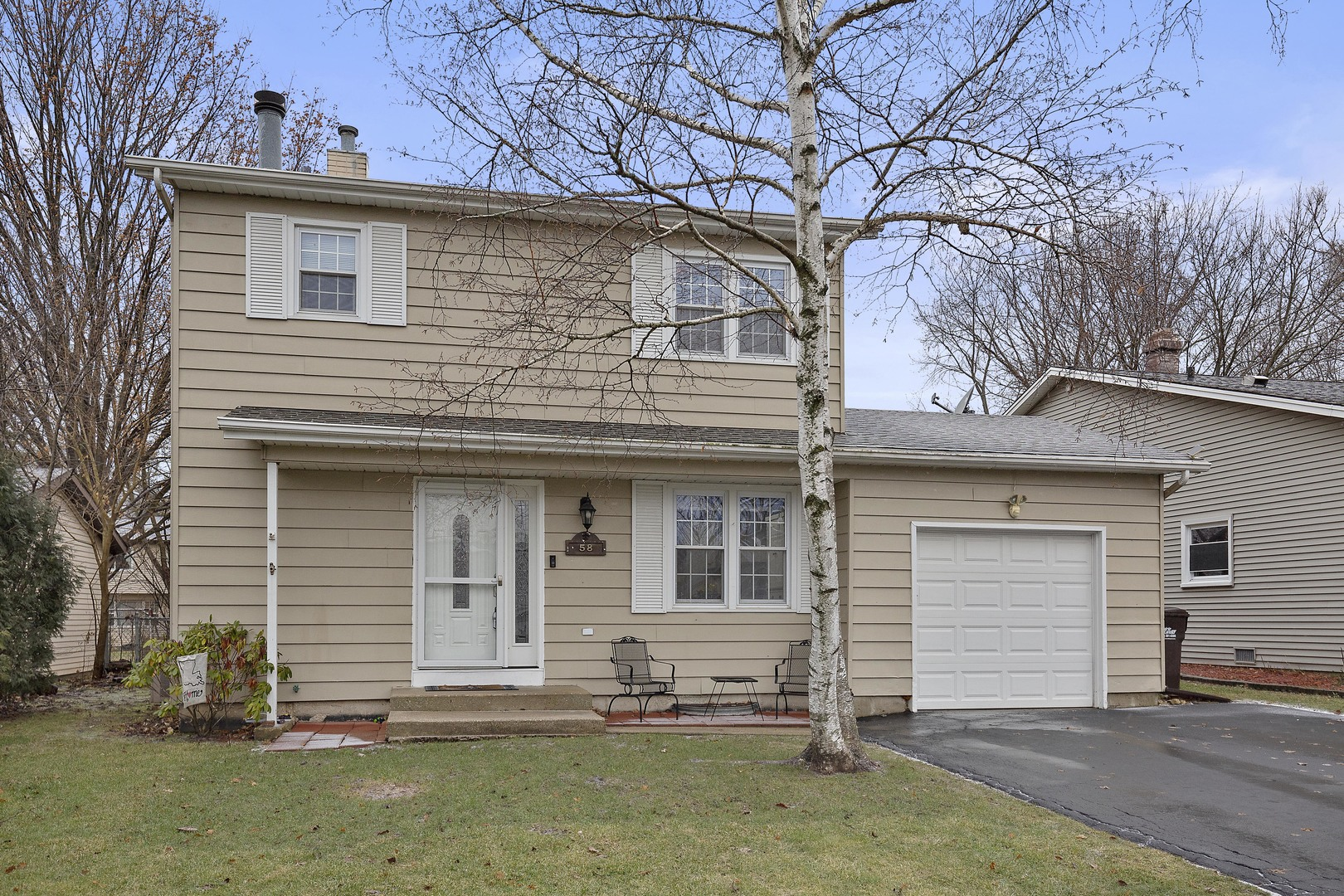 Photo for 58 Holly Drive, Crystal Lake, IL 60014 (MLS # 10603418)