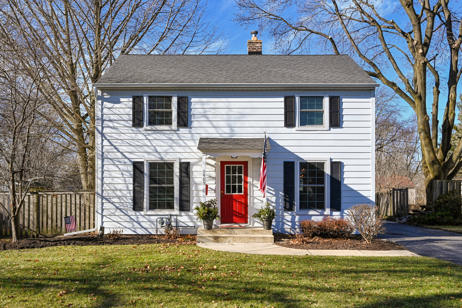 Photo for 1409 S 5th Street, St. Charles, IL 60174 (MLS # 10604123)