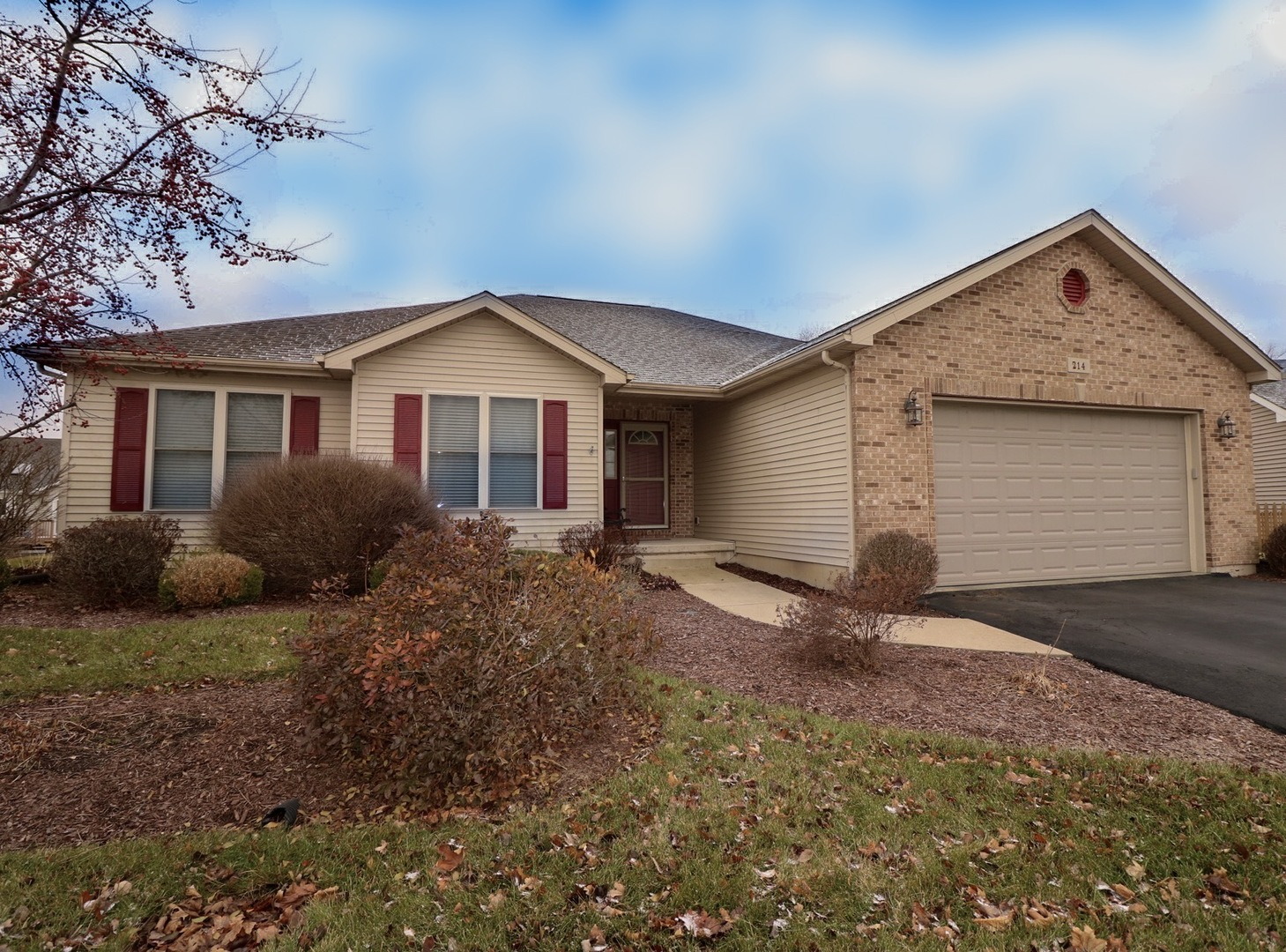 Photo for 214 Rachel Circle, Sycamore, IL 60178 (MLS # 10604325)