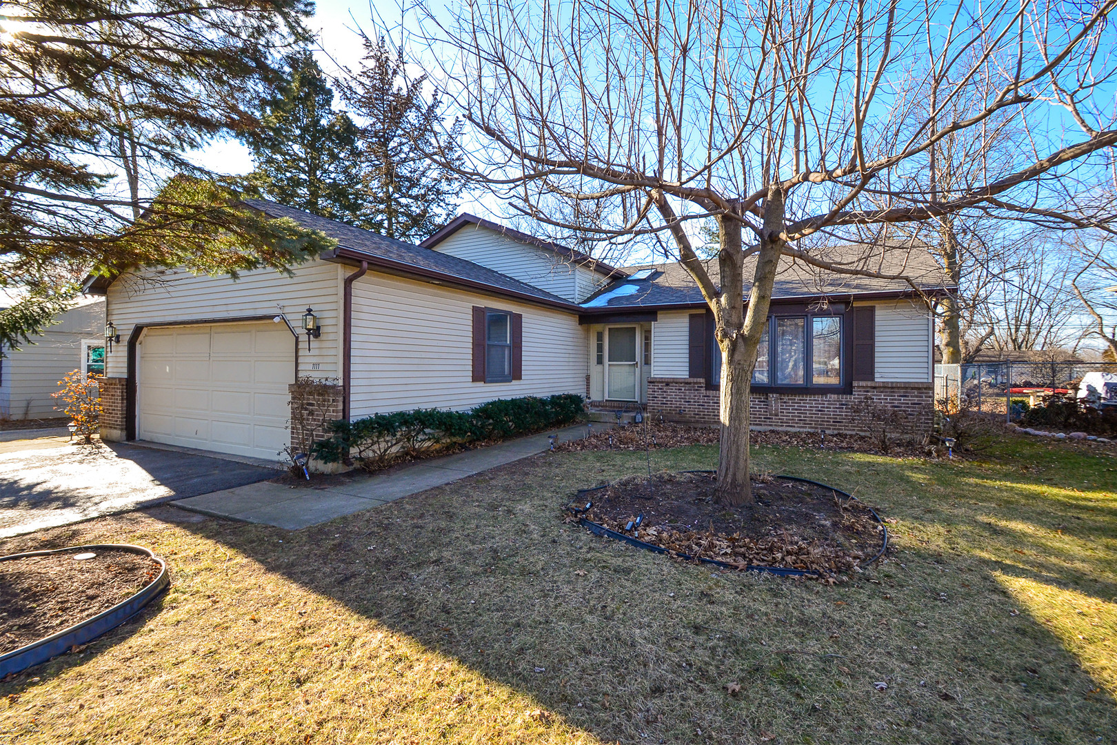 Photo for 1111 Birch Street, Lake In The Hills, IL 60156 (MLS # 10607591)
