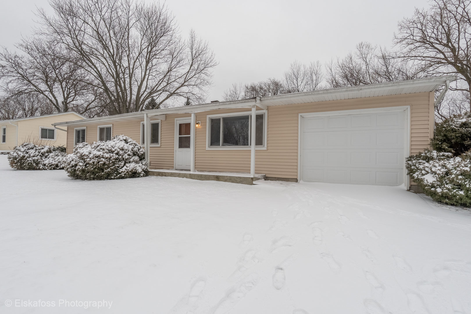 Photo for 4815 Claire Street, Crystal Lake, IL 60014 (MLS # 10607629)