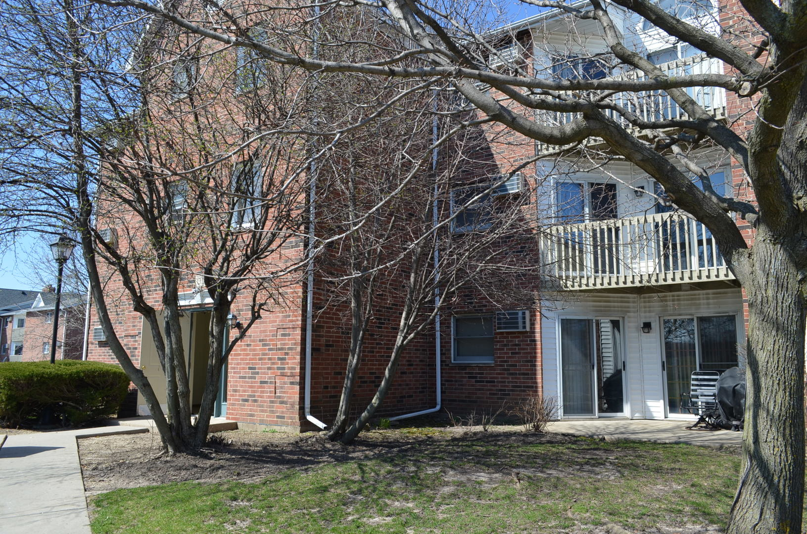 Photo for 1375 Cunat Court, Unit Number 2G, Lake In The Hills, IL 60156 (MLS # 10608149)