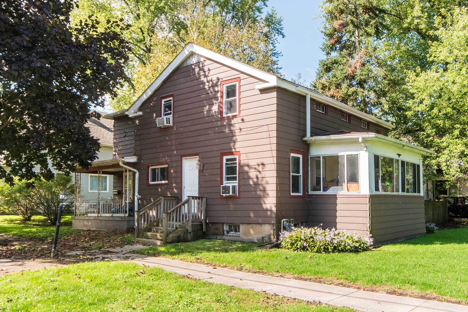 Photo for 230 E Elm Street, Sycamore, IL 60178 (MLS # 10609416)