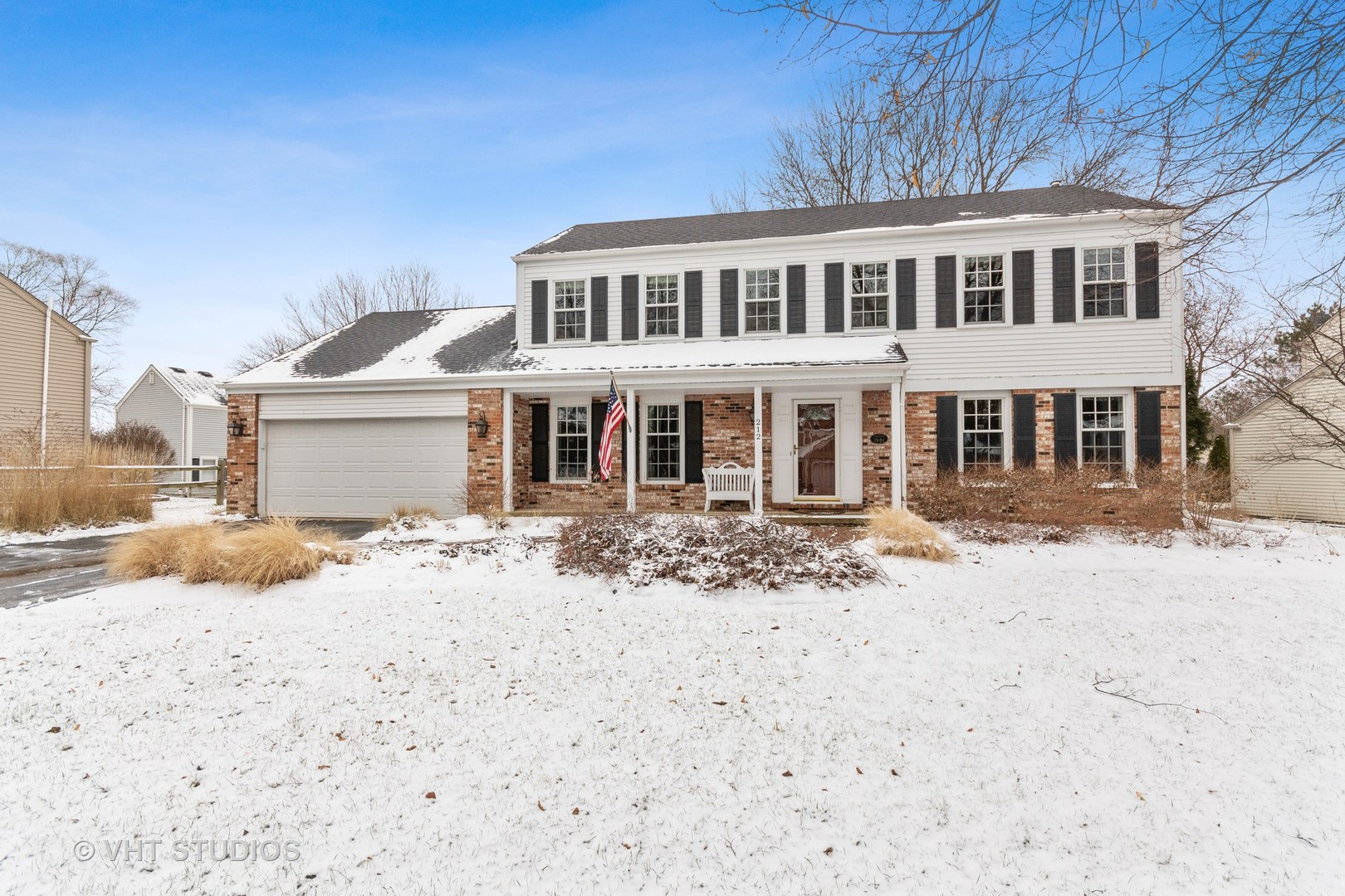 Photo for 212 Chasse Circle, St. Charles, IL 60174 (MLS # 10612296)