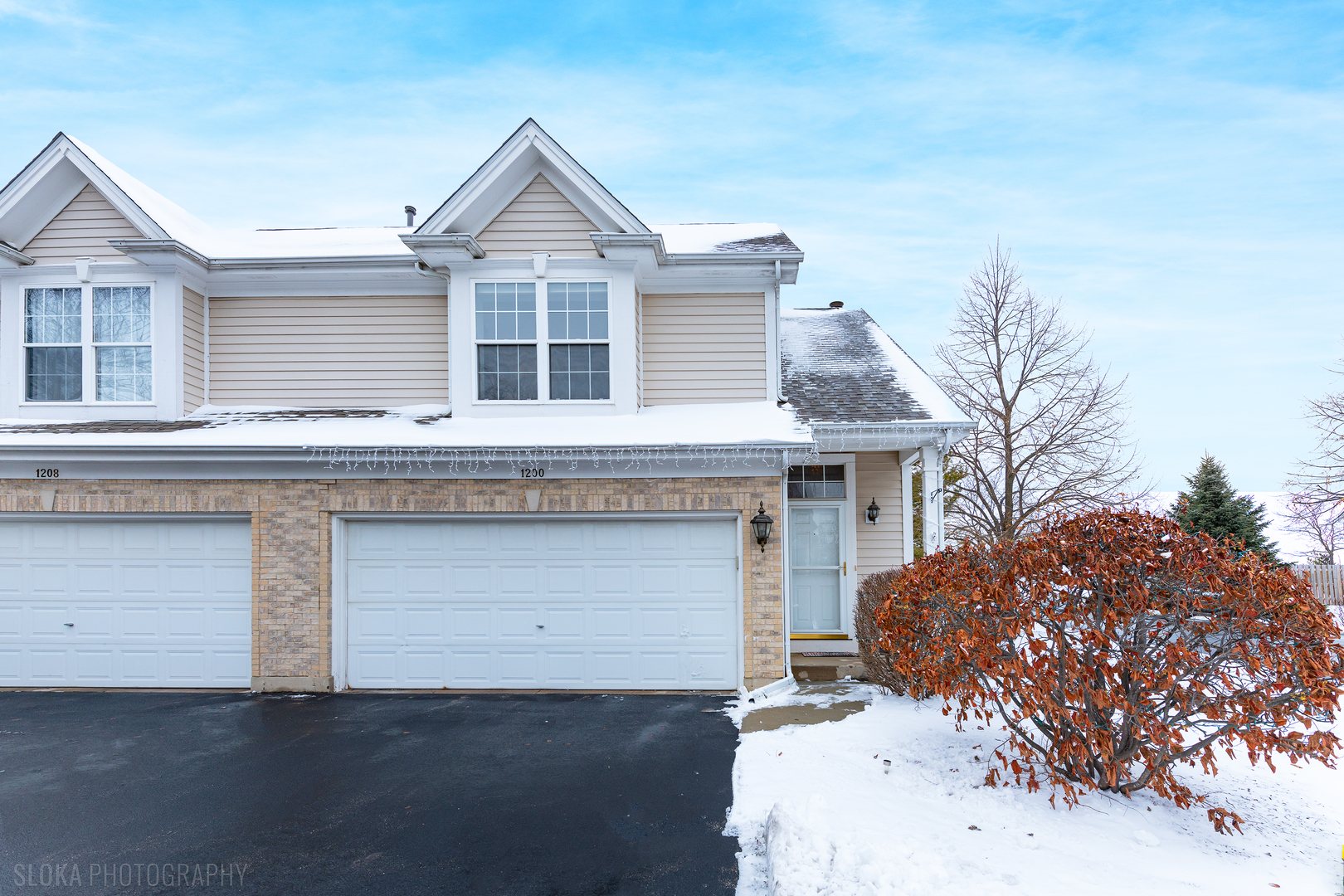 Photo for 1200 W Danbury Drive, Unit Number 6, Cary, IL 60013 (MLS # 10612850)